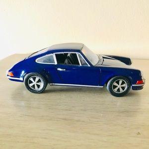 DARK BLUE PORSHE DIE CAST CAR 911S 2.4